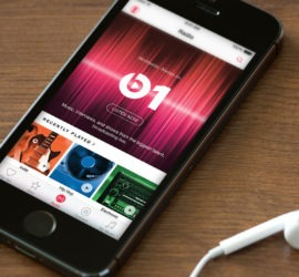 obzor muzykalnogo servisa apple music